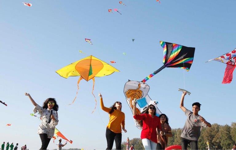 Makarsankrant मकरसंक्रान्तिः विविधताओं के देश में मान्यताओं का पहला पर्व