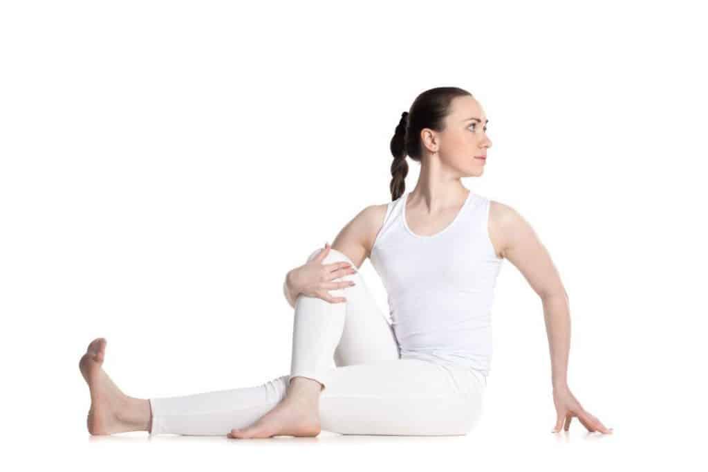 Diabetes treatment by Yoga in hindi - शुगर के लिए करें वक्रासन-  Vakrasana (twisted pose) for diabetes